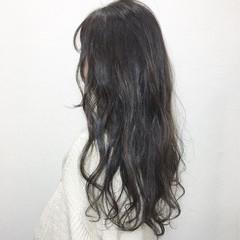 ロング レトロ アッシュグレージュ アッシュ ヘアスタイルや髪型の写真・画像