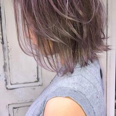 ボブ バレイヤージュ グレージュ ストリート ヘアスタイルや髪型の写真・画像