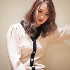 ハイトーン ヌーディベージュ ミルクティーベージュ ミルクティカラー ヘアスタイルや髪型の写真・画像