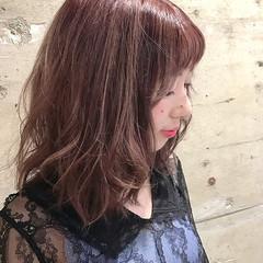 ピンク ダブルカラー ラベンダーピンク ミディアム ヘアスタイルや髪型の写真・画像