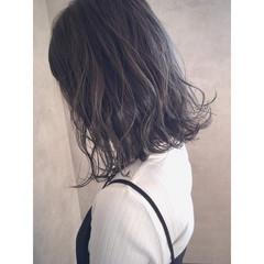 ボブ ミディアム 切りっぱなし 透明感 ヘアスタイルや髪型の写真・画像