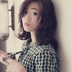 ミディアム コンサバ 外ハネ オフィス ヘアスタイルや髪型の写真・画像