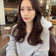 韓国風ヘアー ナチュラル レイヤーカット レイヤーロングヘア ヘアスタイルや髪型の写真・画像
