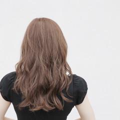 グレージュ セミロング ナチュラル 外国人風 ヘアスタイルや髪型の写真・画像