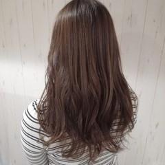 ベージュ 艶髪 透明感 セミロング ヘアスタイルや髪型の写真・画像