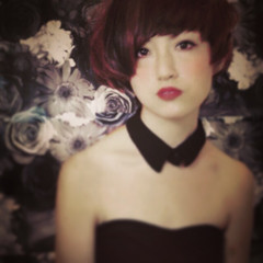 モード レッド ショート ローライト ヘアスタイルや髪型の写真・画像