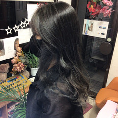 グレージュ ナチュラル インナーカラー 外国人風カラー ヘアスタイルや髪型の写真・画像