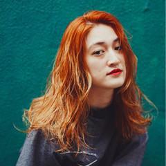 ロング オレンジベージュ リラックス ヘアアレンジ ヘアスタイルや髪型の写真・画像