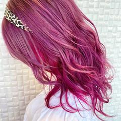 ガーリー イヤリングカラー デザインカラー ミディアム ヘアスタイルや髪型の写真・画像