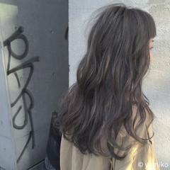 グレージュ ダブルカラー グレー ブリーチ ヘアスタイルや髪型の写真・画像