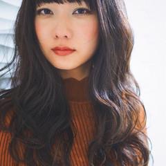 波ウェーブ 黒髪 ロング 暗髪 ヘアスタイルや髪型の写真・画像