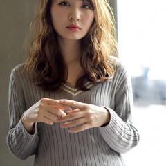 外国人風 フェミニン ミディアム 大人かわいい ヘアスタイルや髪型の写真・画像