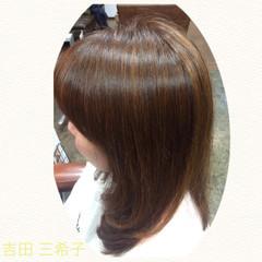 ベージュ イルミナカラー セミロング グレージュ ヘアスタイルや髪型の写真・画像
