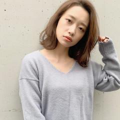 大人女子 イルミナカラー ナチュラル 透明感 ヘアスタイルや髪型の写真・画像
