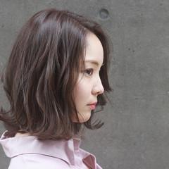 透明感 アンニュイほつれヘア グレージュ デート ヘアスタイルや髪型の写真・画像