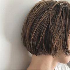 デート リラックス ショートボブ 切りっぱなし ヘアスタイルや髪型の写真・画像