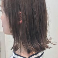 ミルクティー ボブ ハイライト 切りっぱなし ヘアスタイルや髪型の写真・画像