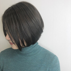 ショートボブ ナチュラル グレージュ アッシュベージュ ヘアスタイルや髪型の写真・画像