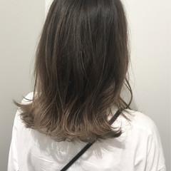 ロブ ミディアム グラデーションカラー ナチュラル ヘアスタイルや髪型の写真・画像