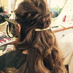 フェミニン ヘアアレンジ 結婚式 簡単ヘアアレンジ ヘアスタイルや髪型の写真・画像