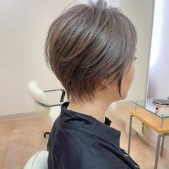 ナチュラル アッシュブラウン ベリーショート ブリーチ ヘアスタイルや髪型の写真・画像