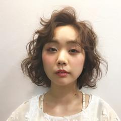ガーリー ベージュ ピンク ふわふわ ヘアスタイルや髪型の写真・画像
