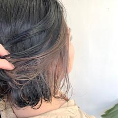 ブラウンベージュ インナーカラー アッシュベージュ 切りっぱなしボブ ヘアスタイルや髪型の写真・画像