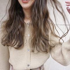 アンニュイほつれヘア くすみベージュ ヘアアレンジ ロング ヘアスタイルや髪型の写真・画像