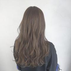 ベージュ ロング 透明感 愛され ヘアスタイルや髪型の写真・画像