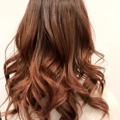 ミルクティー グラデーションカラー アッシュ マット ヘアスタイルや髪型の写真・画像