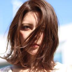アウトドア ナチュラル ミディアム ヘアスタイルや髪型の写真・画像
