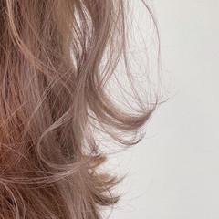 セミロング ヌーディーベージュ ブラウンベージュ ナチュラル ヘアスタイルや髪型の写真・画像