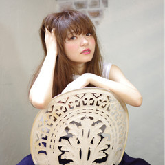 外国人風 ナチュラル ワイドバング ロング ヘアスタイルや髪型の写真・画像