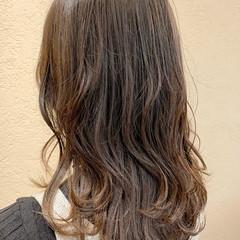 ショコラブラウン ナチュラル オリーブベージュ アッシュベージュ ヘアスタイルや髪型の写真・画像
