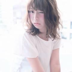 ミディアム ゆるふわ 丸顔 ガーリー ヘアスタイルや髪型の写真・画像