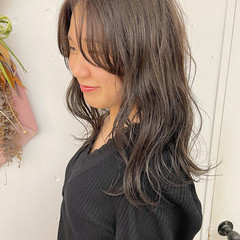 ゆるナチュラル セミロング グレージュ 透け感ヘア ヘアスタイルや髪型の写真・画像