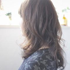 ナチュラル セミロング 大人かわいい ゆるふわ ヘアスタイルや髪型の写真・画像