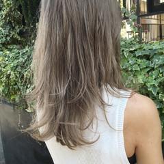 グレージュ ガーリー ハイライト セミロング ヘアスタイルや髪型の写真・画像