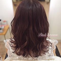 エレガント ベリーピンク ピンクブラウン ピンクベージュ ヘアスタイルや髪型の写真・画像