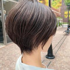 小顔 ナチュラル ハイライト ショート ヘアスタイルや髪型の写真・画像