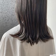 ミディアム ベージュ アッシュベージュ グレージュ ヘアスタイルや髪型の写真・画像