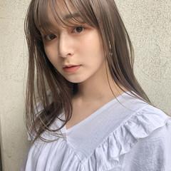 レイヤーカット ベージュ ミディアムレイヤー ミルクティーベージュ ヘアスタイルや髪型の写真・画像
