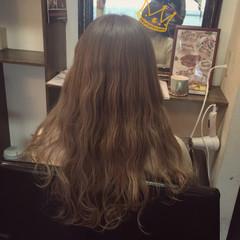 外国人風 ミルクティー ダブルカラー ガーリー ヘアスタイルや髪型の写真・画像