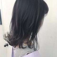 切りっぱなし ブルーアッシュ インナーカラー ミディアム ヘアスタイルや髪型の写真・画像