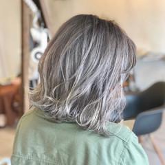 ダブルカラー ハイトーン ストリート ミディアム ヘアスタイルや髪型の写真・画像