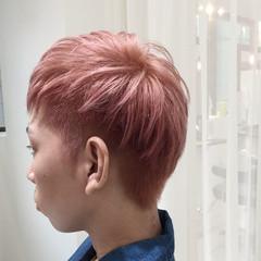 ショート モード ボーイッシュ ピンク ヘアスタイルや髪型の写真・画像