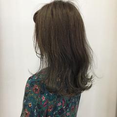 外ハネ ナチュラル ロブ グレージュ ヘアスタイルや髪型の写真・画像
