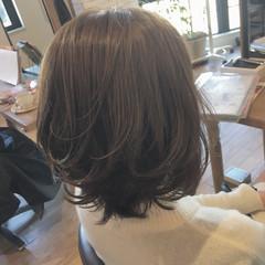 大人女子 ハイライト ミディアム 外国人風 ヘアスタイルや髪型の写真・画像