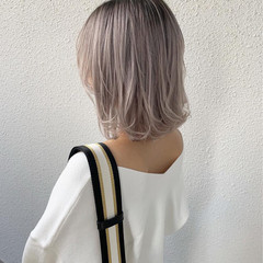 ガーリー ブリーチ ホワイト ミディアム ヘアスタイルや髪型の写真・画像
