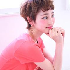 外国人風 ダブルカラー パーマ フェミニン ヘアスタイルや髪型の写真・画像